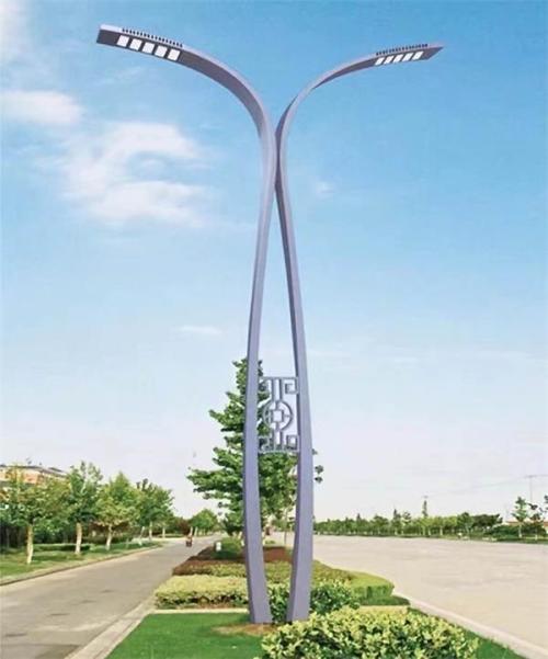 太阳能路灯多少钱一套批发价格是多少