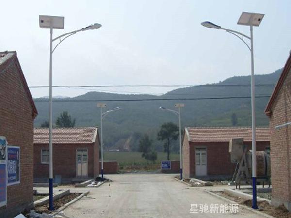 太阳能路灯和交流电路灯比较