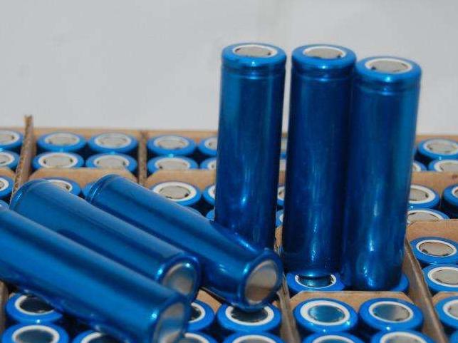 路灯锂电池生产厂家报价表