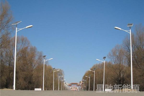 农村太阳能路灯多少钱一盏