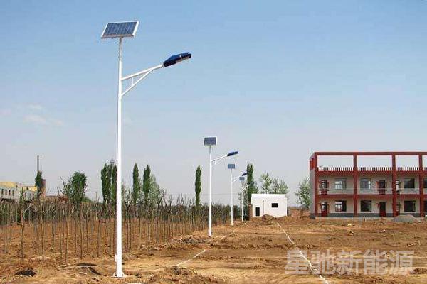 8米高的太阳能路灯