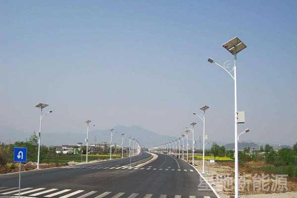 8米太阳能路灯价格