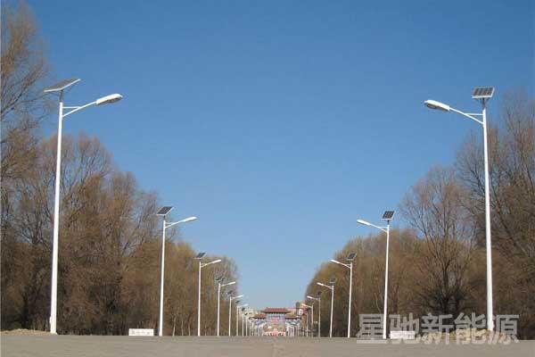 太阳能路灯农村6米